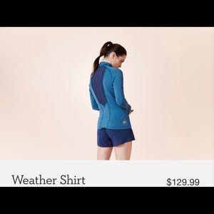 On running athletic long sleeve shirt